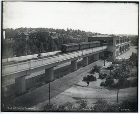 1910 view of the original Forest Hills elevated station