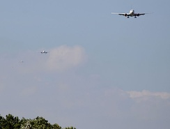Four aircraft on the approach to Heathrow runway 09L