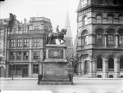 Statue of William III formerly located on College Green, Dublin. Erected in 1701, it was destroyed by the IRA in 1928.[136]