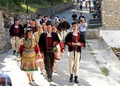 Приглашение умерших предков на македонскую свадьбу