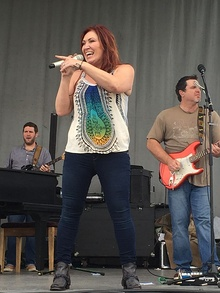 Jo-dee-messina-2016.jpg