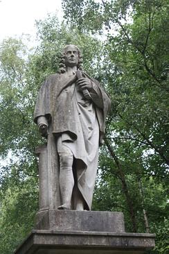 Statue of Isaac Watts, Abney Park Cemetery