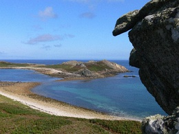 White Island viewed from Top Rock, St Martins, Isles of Scilly - geograph.org.uk - 357359.jpg