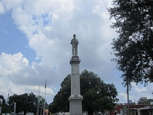 Confederate soldier statue on Madison Parish Courthouse lawn