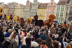 "1,881 guitarists played ""Hey Joe"" in Wrocław on May 1, 2007, setting what was, at the time, a new Guinness record."