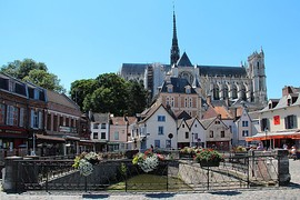 Place du Don: The River Somme and cathedral
