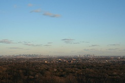 Skyline of New York City from Montclair at the start of the Watchung Mountains