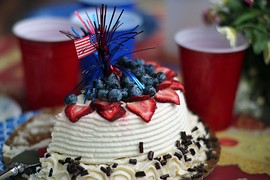 A festively decorated Independence Day cake