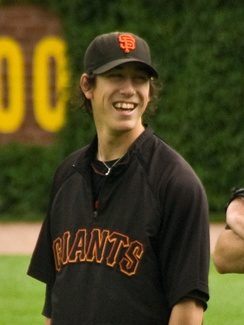 Lincecum and the Giants agree on a 2-year, $23 million deal