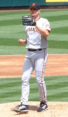 Schmidt pitching for the San Francisco Giants in 2006