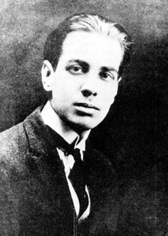 Borges in 1921.