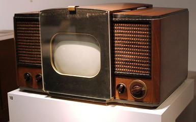 RCA 630-TS, the first mass-produced television set, sold in 1946–1947