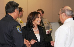 AG Harris touring the Fresno Regional DNA Laboratory