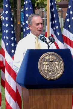 Bloomberg delivering a speech in 2004