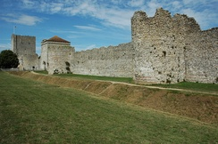 Portchester Castle, Hampshire: Roman walls and medieval keep