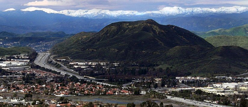 Conejo Grade and Conejo Mountain in westernmost Newbury Park. The Topa Topa Mountains can be seen in the far back.