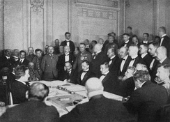 Negotiations with Central Empires in Brest-Litovsk. The Left-SRs opposed the conditions imposed by the imperialist powers, rejecting the peace treaty and withdrawing from the coalition government with the Bolsheviks.