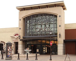 The Oaks is the largest shopping mall in Ventura County.[134][135]