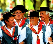 A group of Cante Alentejano.