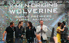 Schreiber (in white) and other actors celebrating the world premiere of X-Men Origins: Wolverine in Tempe, Arizona, April 27, 2009