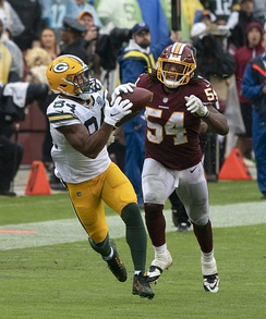 Kendricks in a game against Mason Foster and the Washington Redskins