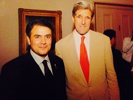 Kerry with Spokesman to the Prime Minister of Pakistan, Zahid Bashir, in 2009