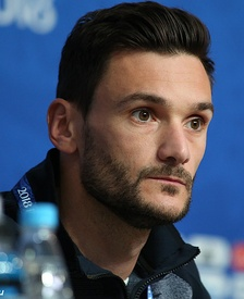 Hugo Lloris has the most caps among active players with 114.