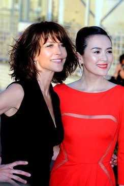 Two movie stars, Sophie Marceau and Zhang Ziyi, respectively from France and China, at the Cabourg Film Festival in June 2014.