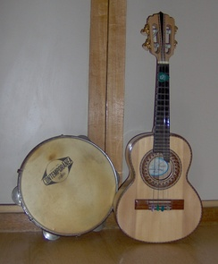 A samba cavaco (right).