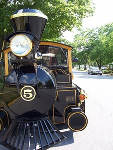 The former official mascot of Purdue : The Boilermaker Special V (1993–2011)