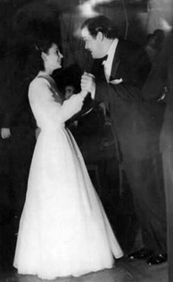 Delia Garcés and Welles at an Argentine Film Critics Association awards reception for Citizen Kane (April 1942)