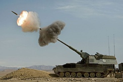 Dutch Panzerhaubitze 2000 firing