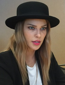 Lauren German 2015.jpg