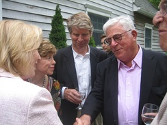 Ravitch with US Senator Kirsten Gillibrand and Cy Vance at a 2009 fundraiser