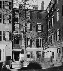 Adams lived on Mount Vernon Street, Beacon Hill, Boston, 1842–1886.[3]