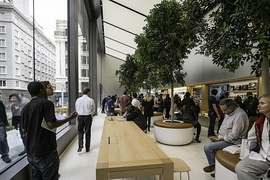 Apple's new store design in Union Square, San Francisco