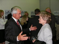 Cox at the 2007 Lincoln Day Dinner in Des Moines, Iowa