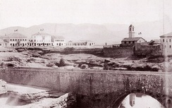 View of Ribnica fortress and Old bridge, Catholic Church (right), Debbaglar Bridge, government mansion and the Mirko Varosh Hotel (far left), before 1901.