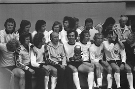 Heynckes (Bottom second left) with his teammates after winning the 1974 FIFA World Cup on 7 July