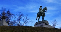 The monument to U.S. Grant at the national military park in Vicksburg, MS, unveiled in 1919.