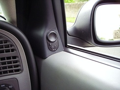 Driver's control for Wing mirrors, with tiny curb-view button (saab 9-5).