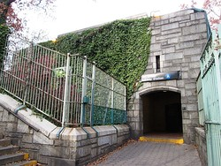 Other entrance to 190th Street station on Ft. Washington Avenue, adjacent to Fort Tryon Park
