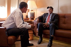 Mays with President Barack Obama aboard Air Force One, July 14, 2009.