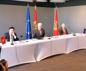 Dritan Abazović, Zdravko Krivokapić and Aleksa Bečić at the signing of the agreement on the principles of the new government of Montenegro, 9 September 2020.