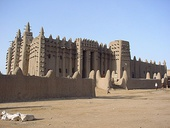 Sudano-Sahelian: The Great Mosque of Djenné in present-day Mali, illustrating the mud construction of western Africa
