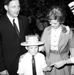 Bayh with his father Birch and mother Marvella during his father's 1962 senate campaign