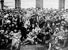 Vladimir Lenin, Leon Trotsky and soldiers of the Red Army in Petrograd