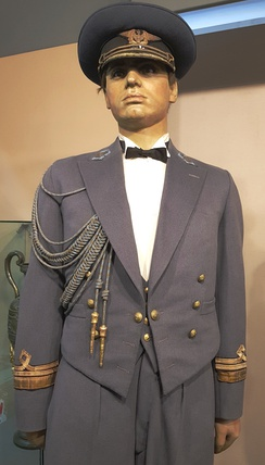 "Dress uniform of a wing commander (""Căpitan-Comandor"") 1930-40."