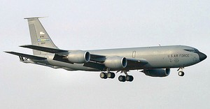 465th Air Refueling Squadron Boeing KC-135A-BN Stratotanker 58-0121.jpg
