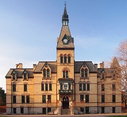 Hamline University Old Main.jpg